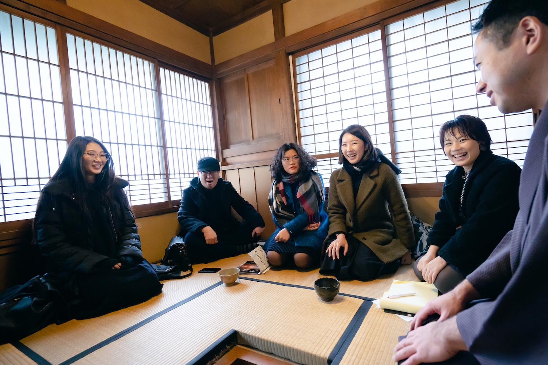 葛西屋では日本庭園とお茶の体験