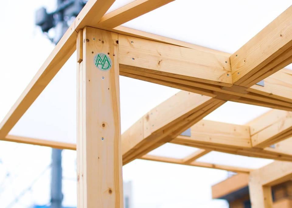 民家の駐車場などに用いられる「パーゴラ」や「テント」を原型に開発した屋台。簡易に設置、取り外しが可能。