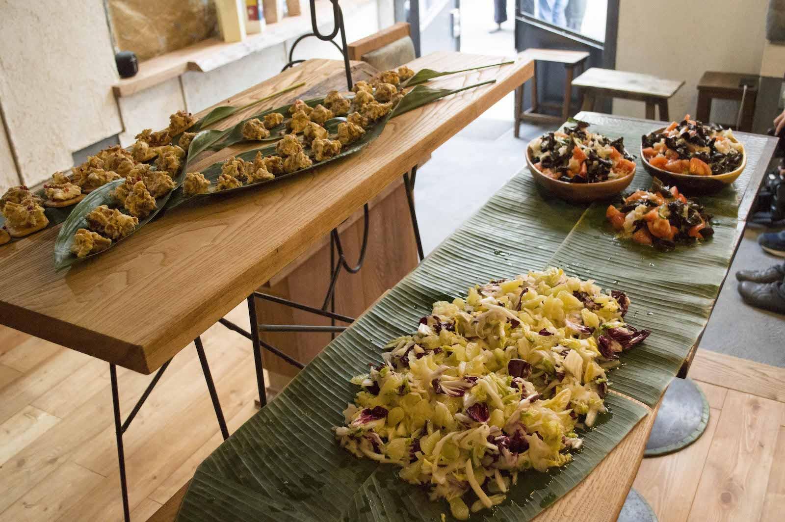 オープニングパーティでは吉里亜季さんによる大玉村の食材をふんだんに使った料理が提供された。